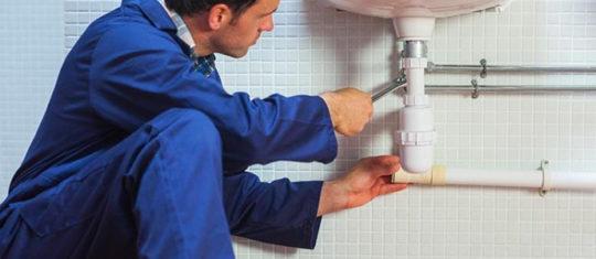 éliminer les mauvaises odeurs des canalisations